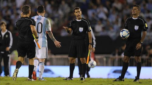 """Messi được hiến """"kế lạ"""", giảm án treo giò ĐT Argentina - 1"""