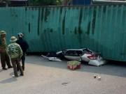 Tin tức trong ngày - Xe container đè bẹp dúm ô tô, 2 người tử vong