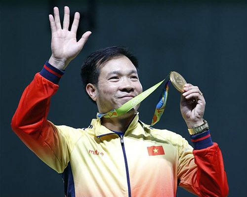 """Hoàng Xuân Vinh sau """"cơn mưa HCV"""": Ngán ai nhất ở SEA Games 29? - 2"""