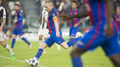 """Barca thua sấp mặt: Vì La Masia, Messi và... """"đồ bỏ"""" Alves - 1"""