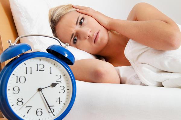 Tại sao ngủ đủ tiếng, 5h sáng dậy thì khỏe nhưng 9h lại uể oải? - 2