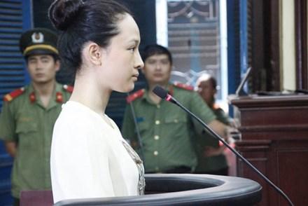 Hoa hậu Phương Nga tiếp tục bị truy tố tội lừa đảo - 1