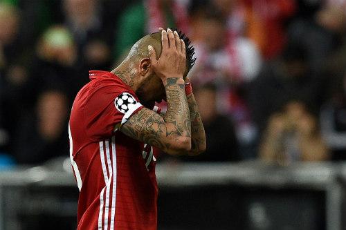 Lượt đi tứ kết cúp C1: Barca-Bayern đau đớn, sao sáng Ronaldo - 2
