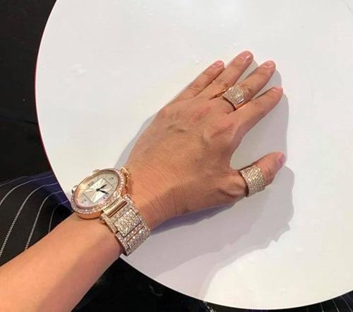 Dương Triệu Vũ có ý gì khi tặng nhẫn kim cương cho Mr. Đàm? - 2