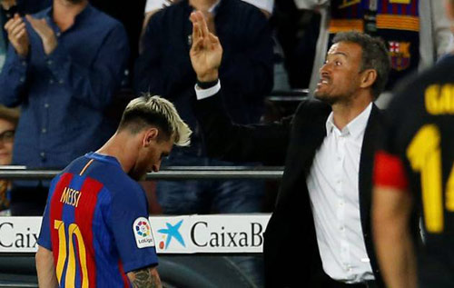 "Nóng ở Barca: Messi lộ diện ""đâm sau lưng"" HLV Enrique - 1"