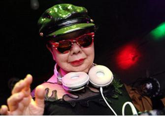 """Nữ DJ U90 chơi nhạc """"cực chất"""" khiến cộng đồng dậy sóng là ai? - 1"""