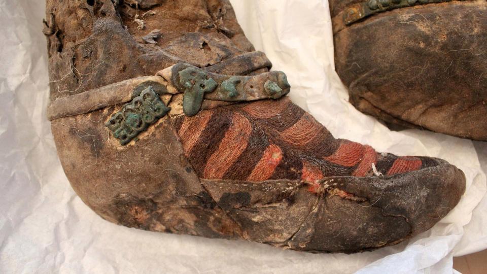 """Phát hiện mới về xác ướp 1.000 năm đi """"giày Adidas"""" - 2"""