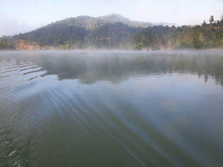 Gia đình 3 người mất tích bí ẩn trên hồ thủy điện - 1