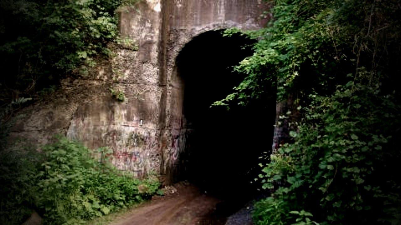Hãi hùng đường hầm la hét trong đêm ở Canada - 1