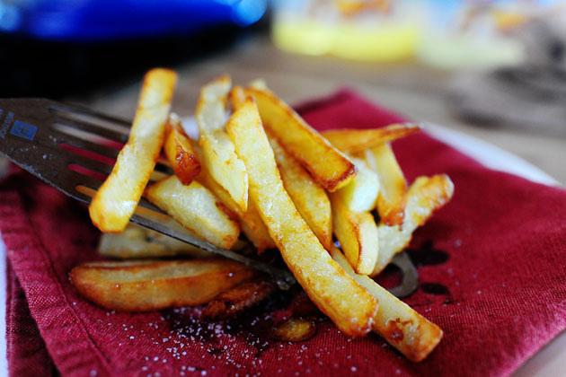Tuyệt chiêu làm khoai tây chiên giòn mềm, ngon hơn ngoài hàng - 8