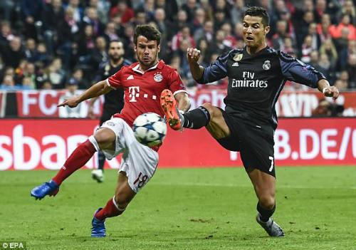 """Ronaldo """"bất tử"""" tại Real: Đừng hòng lật đổ siêu sao - 1"""