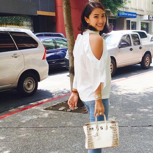 """""""Mỹ nữ đẹp nhì Philippines"""" khoe tủ túi trăm tỷ gây choáng - 2"""