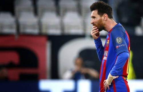Đua QBV: Messi trong cơn bĩ cực, Ronaldo bứt đi thật xa - 1
