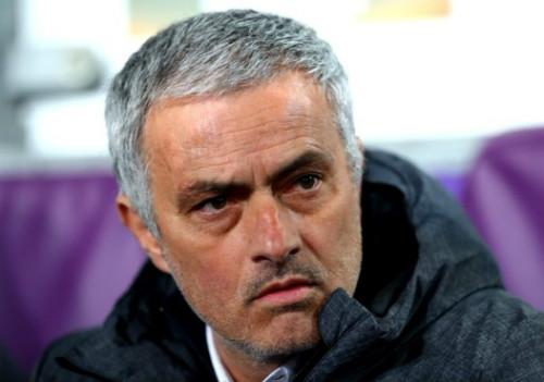 """MU hòa đau đớn, Mourinho trách Ibrahimovic """"ăn hại"""" - 2"""