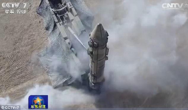 """Triều Tiên căng thẳng, TQ """"khoe"""" tên lửa cỡ khủng - 5"""