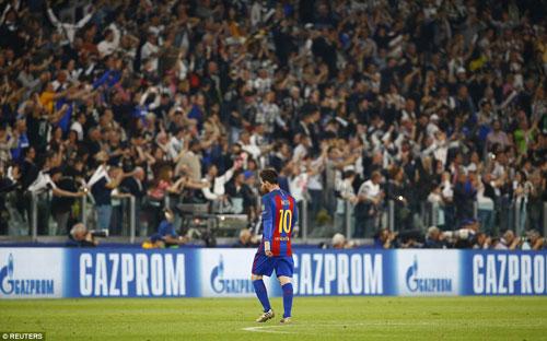Liga trước vòng 32: Barca đường cùng, Real hưng phấn - 1