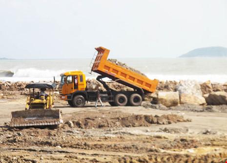 Chủ tịch Khánh Hòa ủng hộ đề xuất lấn vịnh Nha Trang - 2