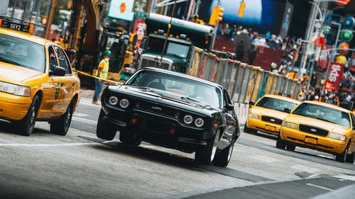"Fast & Furious 8 ""tiêu diệt"" hơn 17 triệu USD xe cộ - 1"