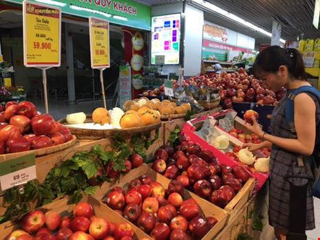 Giật mình với táo Mỹ siêu rẻ đổ đống ở siêu thị Việt - 2