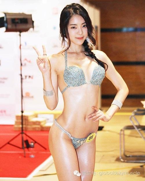 Cô giáo thể hình Hàn Quốc gây sốt vì xinh như hoa hậu - 2