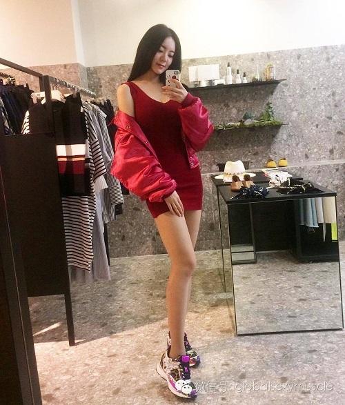 Cô giáo thể hình Hàn Quốc gây sốt vì xinh như hoa hậu - 12