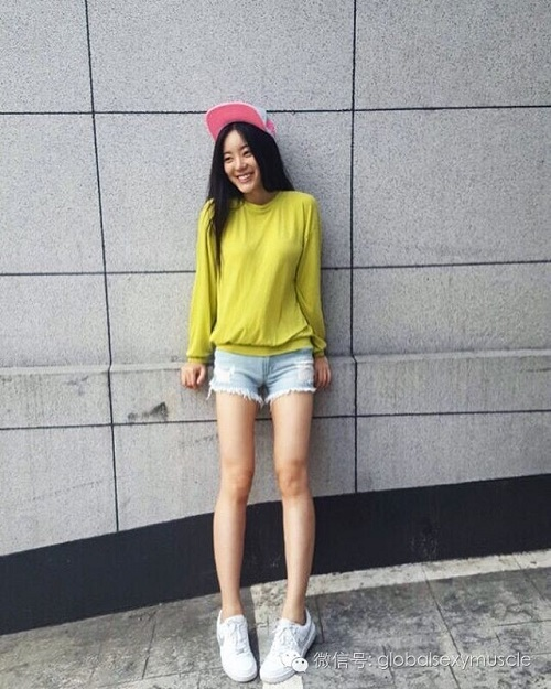 Cô giáo thể hình Hàn Quốc gây sốt vì xinh như hoa hậu - 13
