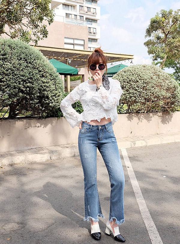 """Dân tình phát """"sốt"""" trước mẫu jeans rách mông giá 43 triệu - 15"""
