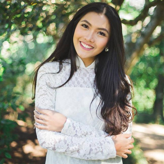 Đăng quang ngôi vị Hoa khôi Du học sinh (tháng 12/2015), Vũ Nam Phương (sinh năm 1994, hiện sống và học tập tại Mỹ) là cái tên được nhiều người trẻ Việt biết đến.