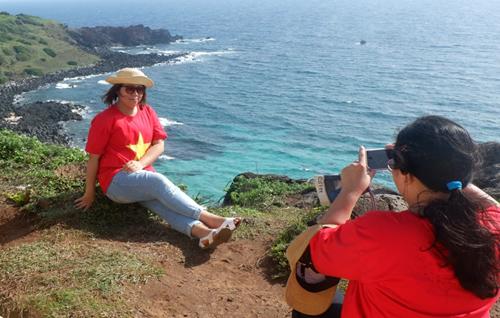 Đến đảo Phú Quý để biết biển Việt Nam đẹp như thế nào! - 1