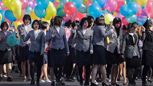 """Kim Jong-un mời báo Mỹ xem thứ mạnh như """"100 bom hạt nhân"""" - 4"""
