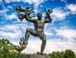 """Ngượng """"chín mặt"""" ở công viên tượng khỏa thân lớn nhất thế giới"""