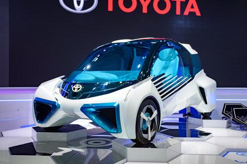 Toyota FCV Plus: Ô tô kiêm nguồn cấp điện dân dụng - 2