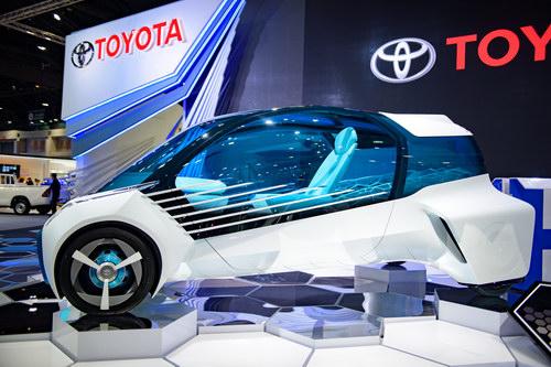 Toyota FCV Plus: Ô tô kiêm nguồn cấp điện dân dụng - 4
