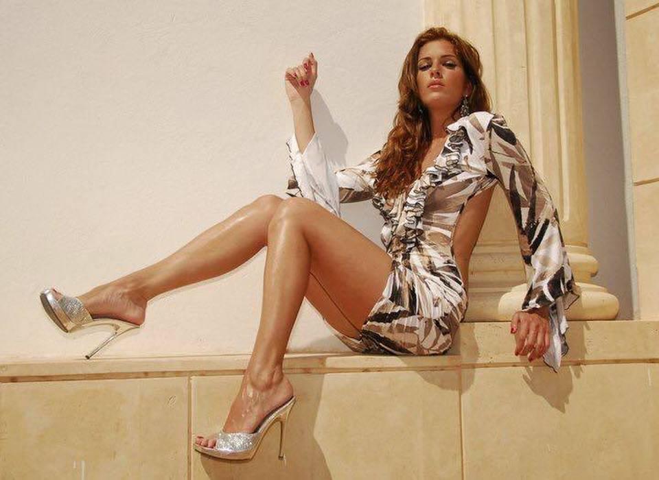 Tiếc nuối trước nhan sắc người mẫu Italy bị bạn trai cũ tạt axit - 4