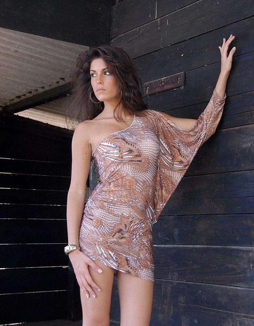 Tiếc nuối trước nhan sắc người mẫu Italy bị bạn trai cũ tạt axit - 6