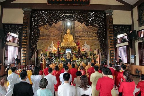 Độc đáo lễ cưới nơi cửa phật của 14 cặp đôi Hà Thành - 5