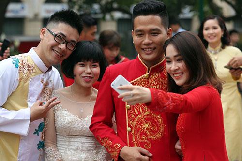Độc đáo lễ cưới nơi cửa phật của 14 cặp đôi Hà Thành - 12
