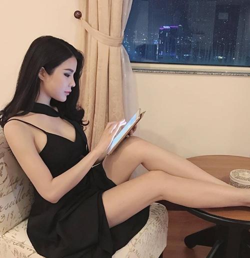 Nóng rực với mỹ nữ có dáng ngồi sexy nhất showbiz Việt - 2