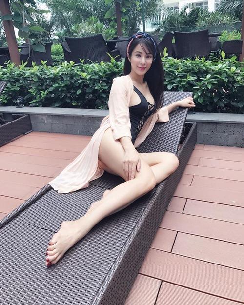 Nóng rực với mỹ nữ có dáng ngồi sexy nhất showbiz Việt - 7