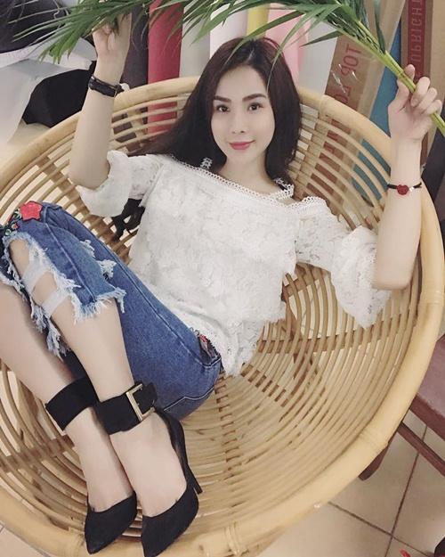 Nóng rực với mỹ nữ có dáng ngồi sexy nhất showbiz Việt - 14