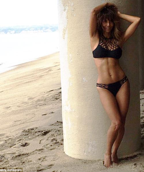 Hình thể bikini gợi cảm hơn gái 20 của mỹ nhân U60, U70 - 3