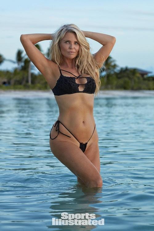 Hình thể bikini gợi cảm hơn gái 20 của mỹ nhân U60, U70 - 11