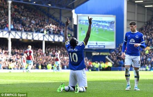 Everton - Burnley: Hiệp 2 công phá kinh hồn bạt vía - 1