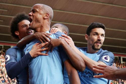 Man City đại thắng: Guardiola né Chelsea, khiêu chiến MU - 1