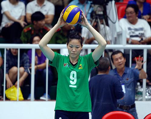 Người đẹp bóng chuyền Kim Huệ, Ngọc Hoa gây sốt trước 2000 fan - 4
