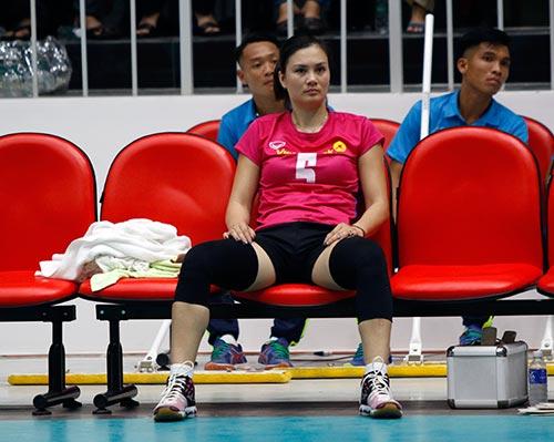 Người đẹp bóng chuyền Kim Huệ, Ngọc Hoa gây sốt trước 2000 fan - 7
