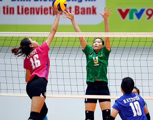Người đẹp bóng chuyền Kim Huệ, Ngọc Hoa gây sốt trước 2000 fan - 9