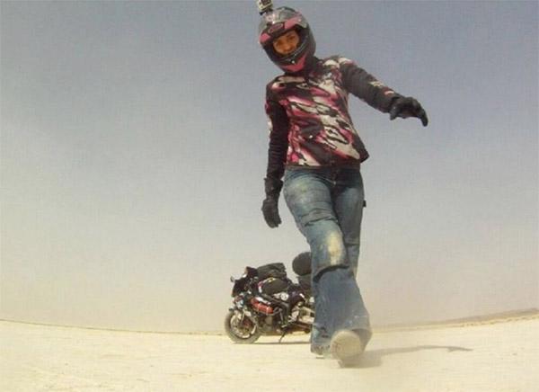 Chia tay bạn trai, cô gái một mình lái moto phượt khắp thế giới - 12
