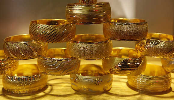 Giá vàng tuần qua tăng 1 triệu, nhà đầu tư lãi lớn - 1