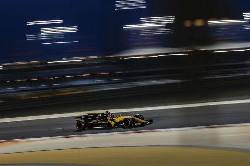 """Đua xe F1 - Bahrain GP: Lần đầu ngọt ngào của """"cánh chim lạ"""" - 2"""